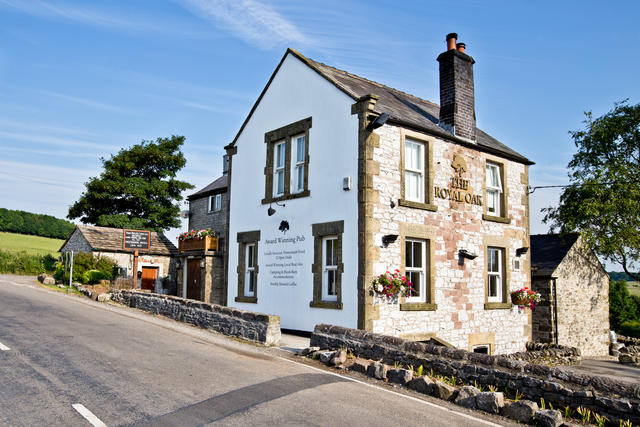 Award winning food & drink at The Royal Oak down the lane from Hurdlow Grange