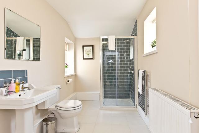 First floor shared bathroom between bedroom 3 and bedroom 4