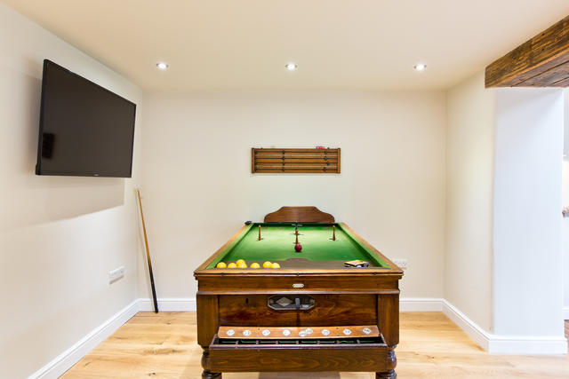 Traditional bar billiards table