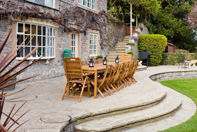 Plenty of outdoor seating