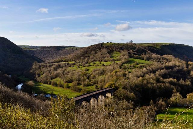 Situated minutes away from the breathtaking Monsal Dale