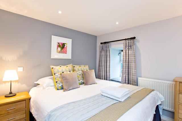 Cruck'd Barn -  Bedroom two with en suite shower room