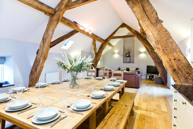 Open plan dining for 16 guests - Cruck'd Barn