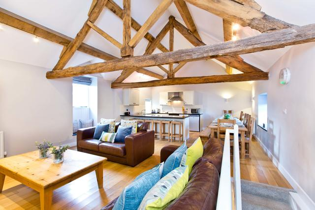 Bat's Belfry - Open Plan Living/Dining Area