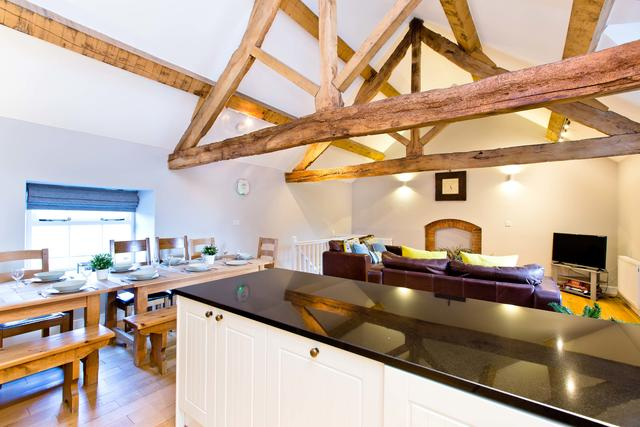 Bat's Belfry - Open Plan Living/Dining Area