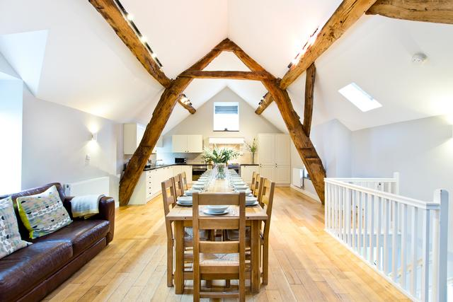 Cruck'd Barn -Open Plan Living & Dining Area