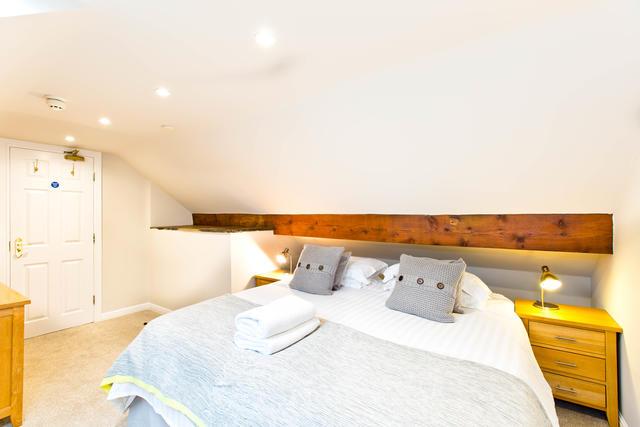 The Grange - Bedroom six with en suite