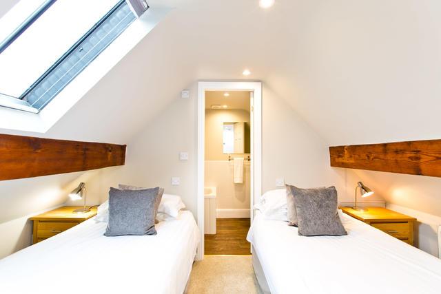 The Grange - Bedroom seven with en suite