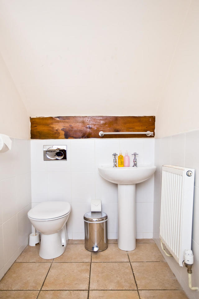 Top Floor Ensuite Bathroom