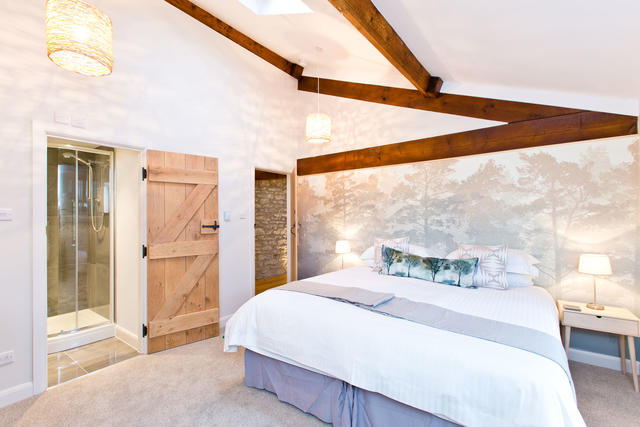 The Barn - Bedroom 8