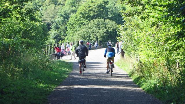 Holiday to the Peak District in the UK to enjoy the countryside
