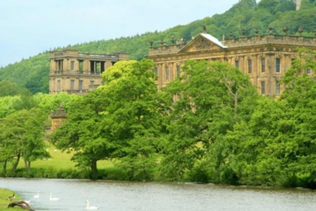 UK Derbyshire holidays stunning views, family activities