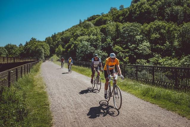UK Derbyshire holiday family activities cycling