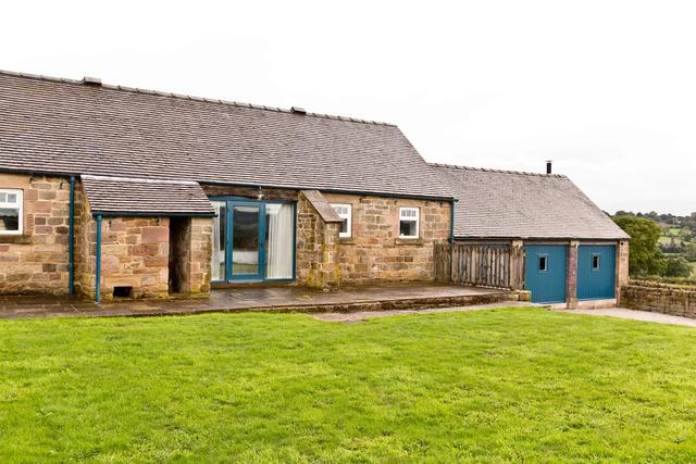 Manifold Barn- Rear View of Annexe & Games Room