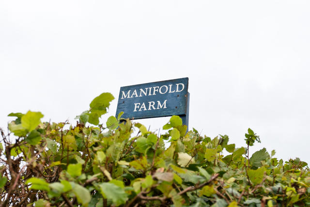 Manifold Farm sign