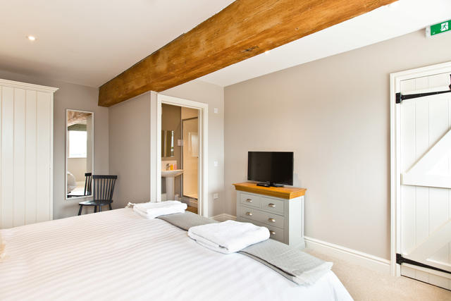 Manifold Farmhouse - Bedroom 8