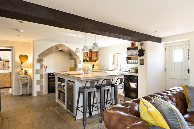Fabulous kitchen, perfect for socialising