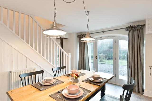 The Coach House Dining Kitchen - Two bedroomed Barn
