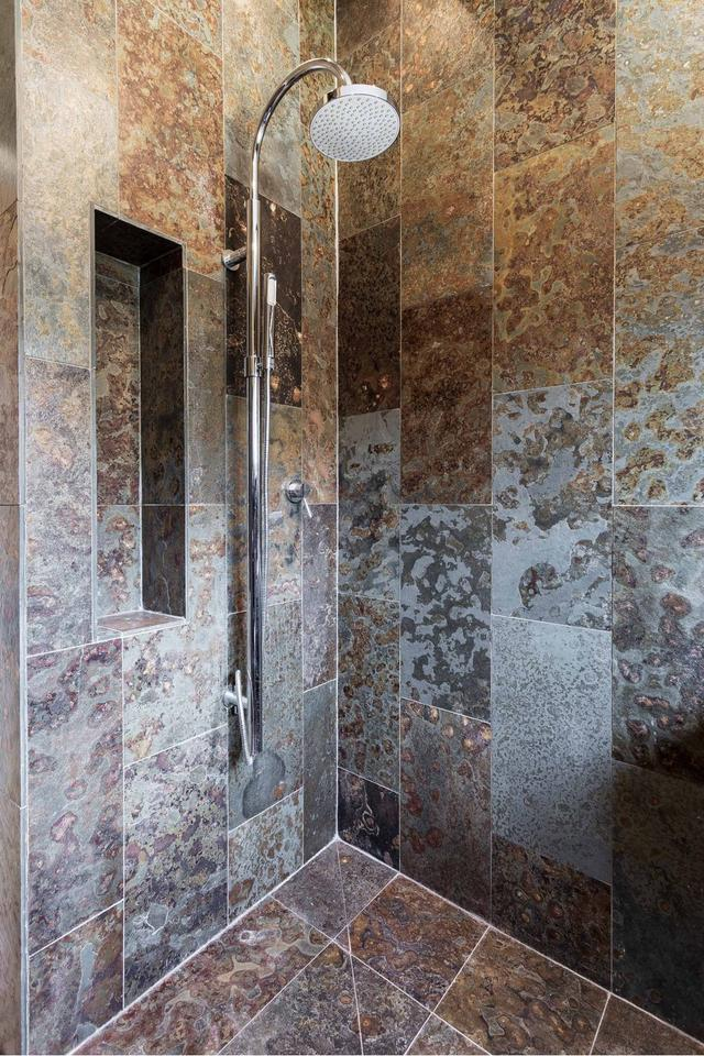 Bedroom 3 in The Collecting Shed en suite wet room