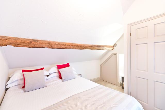Calke Cottage Bedroom 2