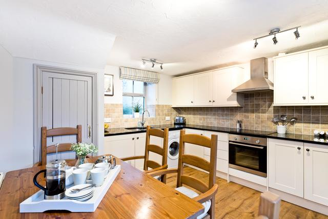 Calke Cottage Dining Kitchen