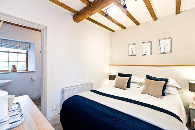 Etwell Cottage - Bedroom 1