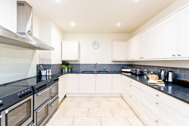 Great Kitchen Area which is well equipped