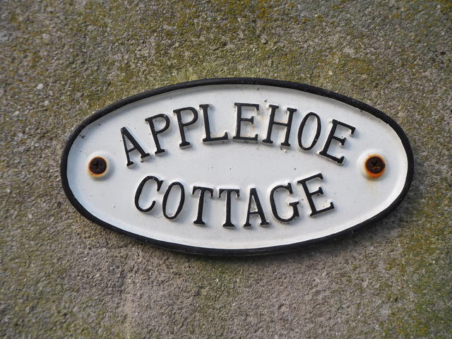 Applehoe sign