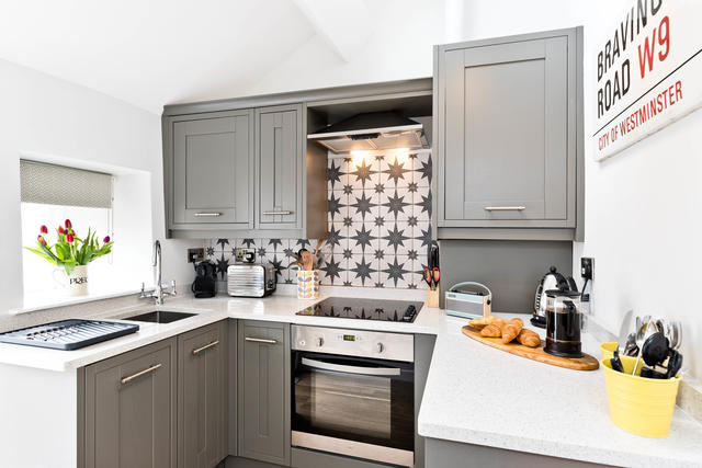 Fully Equipped Cosy Kitchen